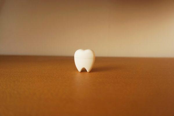 口腔ケアのススメ・・・16 Q:歯を抜いて放置したままになっています・・・。 イメージ